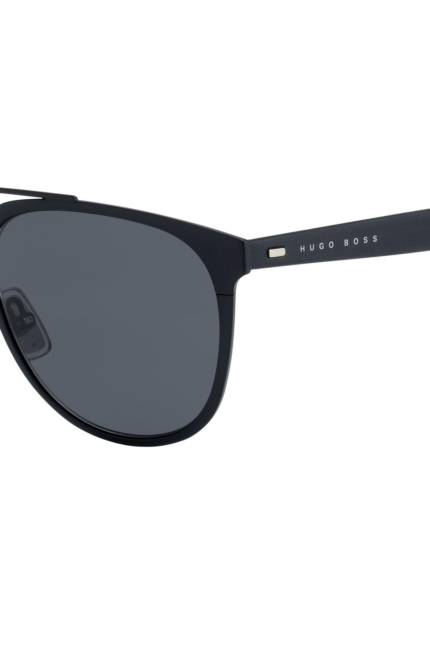 Gafas de sol de aviador con montura fina y metalizada de color negro
