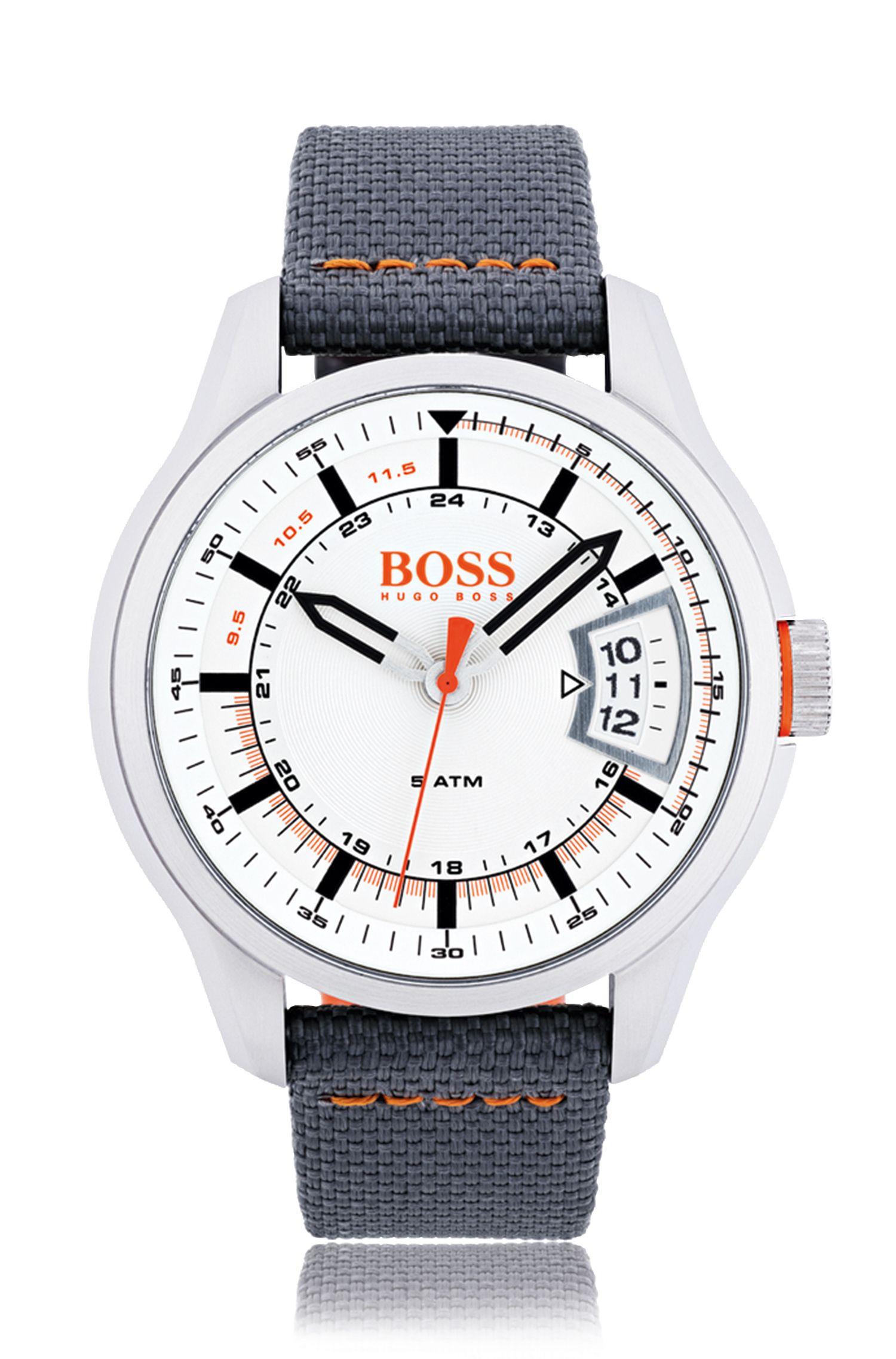 Montre à trois aiguilles en acier inoxydable brossé à cadran blanc et bracelet en tissu gris