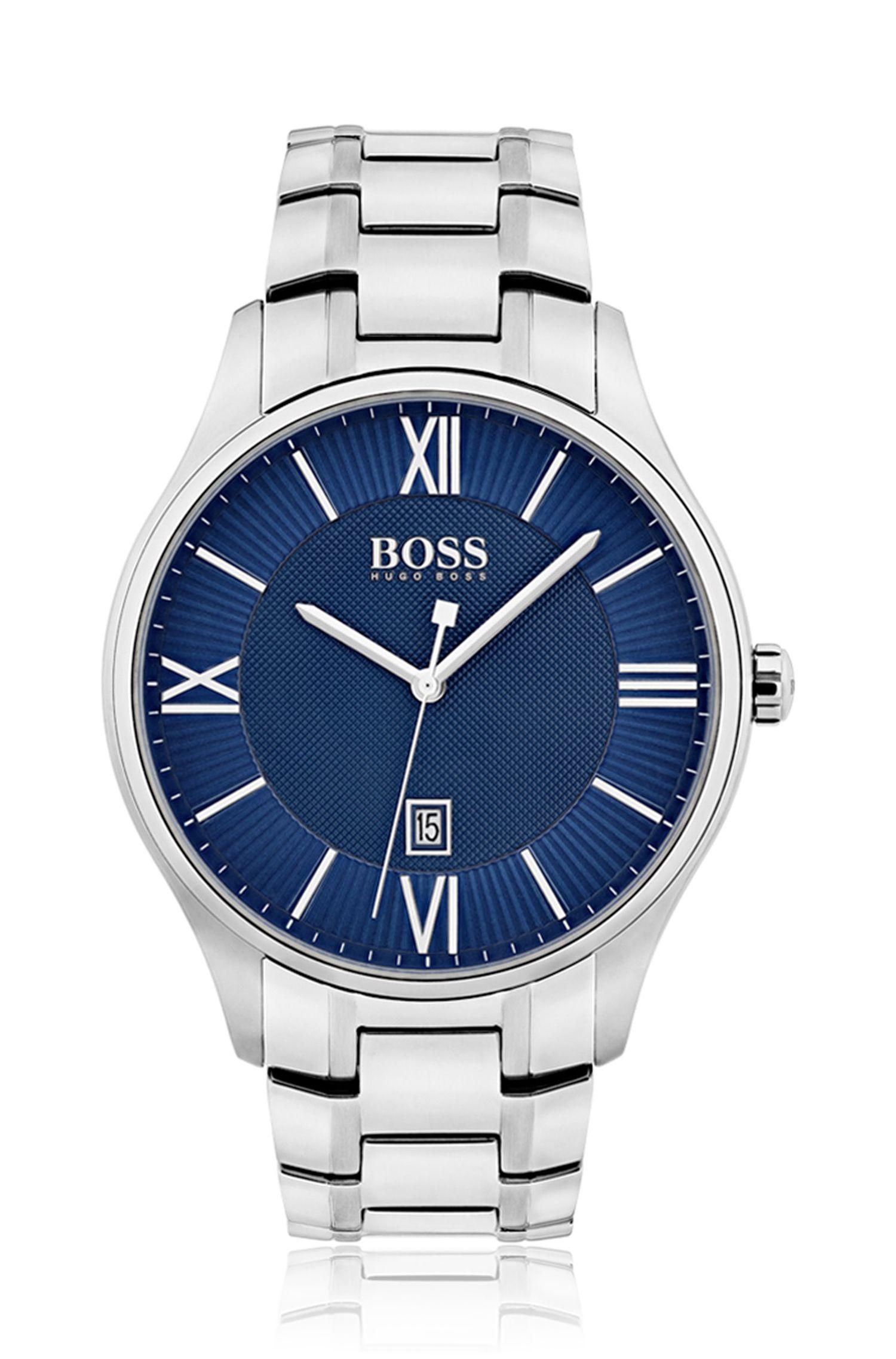 Horloge met drie wijzers, blauwe wijzerplaat en polsband van roestvrij staal