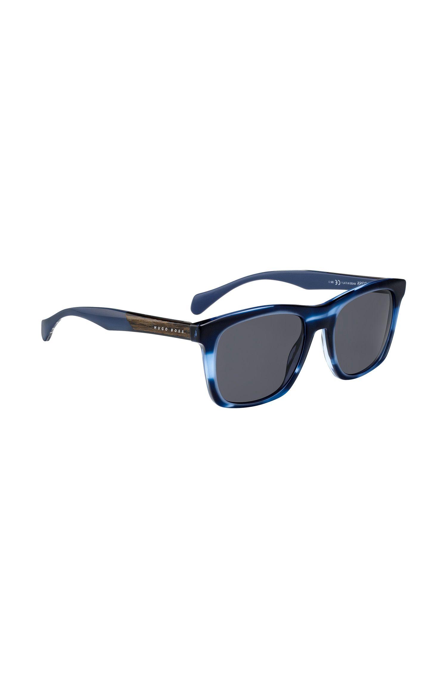 Zonnebril met gekleurd montuur in hoornlook, Blauw