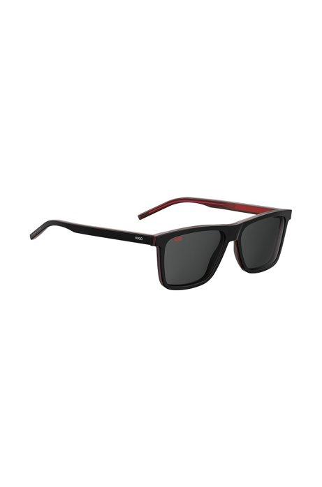 Sonnenbrille aus mehrlagigem Acetat in Dunkelrot und Schwarz, Schwarz