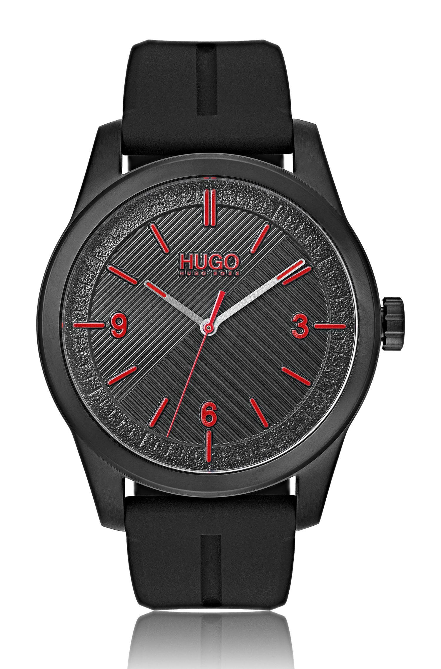 Schwarz beschichtete Uhr mit verschiedenen Struktur-Effekten, Schwarz