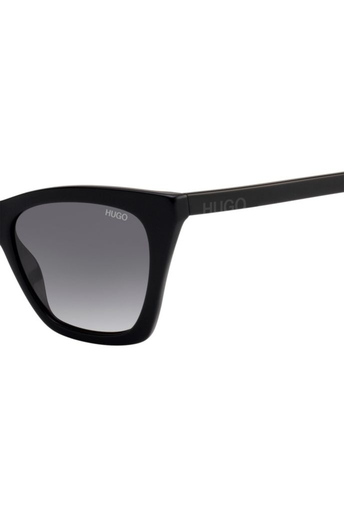 Sunglasses in black acetate with cropped logo