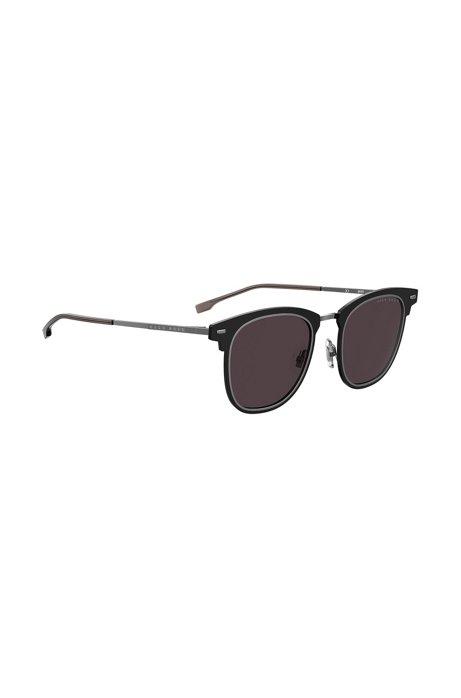 Schwarze Sonnenbrille mit zwei Rillen am Rand, Schwarz