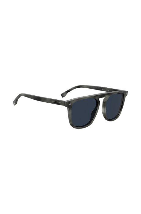 Sonnenbrille aus grauem Acetat in Horn-Optik mit Metalleinsätzen, Dunkelgrau