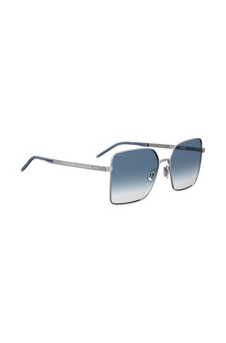 Sonnenbrille mit blauen Farbverlaufsgläsern und abgeschnittenem Logo, Hellblau