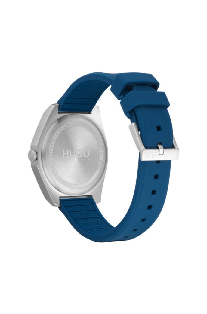 Silicone-strap watch with engraved bezel
