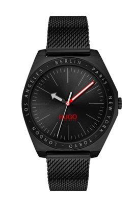 Uhr aus schwarz beschichtetem Edelstahl mit eingravierten Städtenamen und Mesh-Armband, Schwarz
