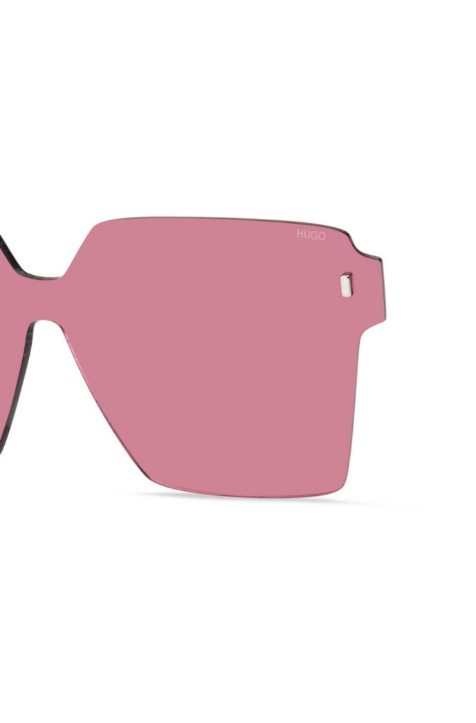 Angular clip-on in pink with magnetic rivets