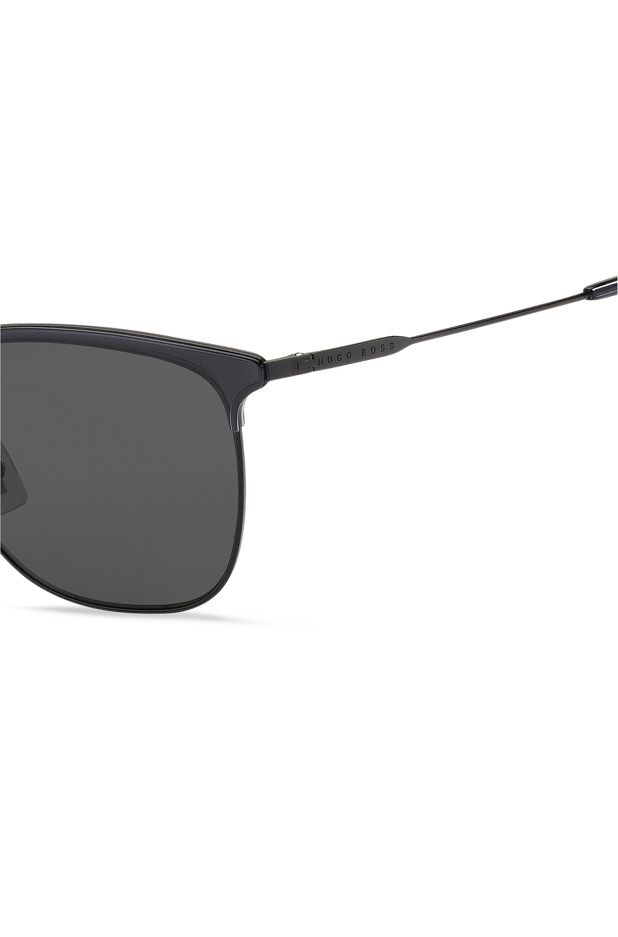 Lightweight sunglasses in matte black with grey lenses