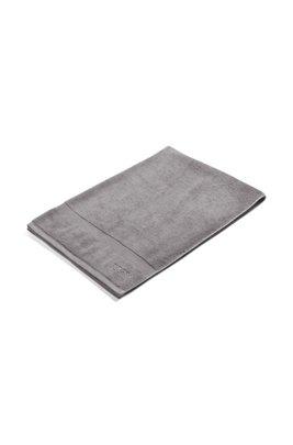 Badhanddoek van gekamde Egeïsche katoen met geribde rand, Zilver