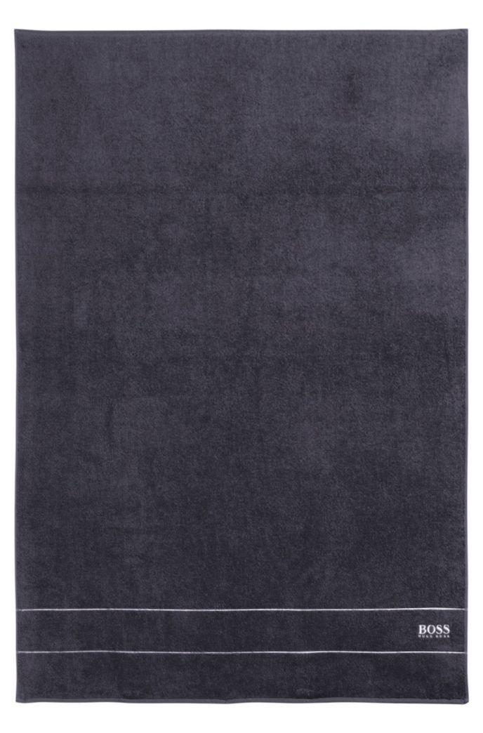 Toalla de baño extragrande en algodón egipcio de la máxima calidad con logo en el borde