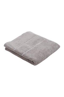 Serviette de bain en coton égyptien des plus raffinés avec bordure logo, Gris sombre