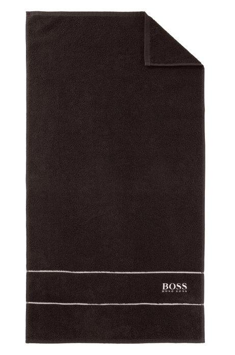 boss handtuch aus feinster gyptischer baumwolle mit logo bord re. Black Bedroom Furniture Sets. Home Design Ideas