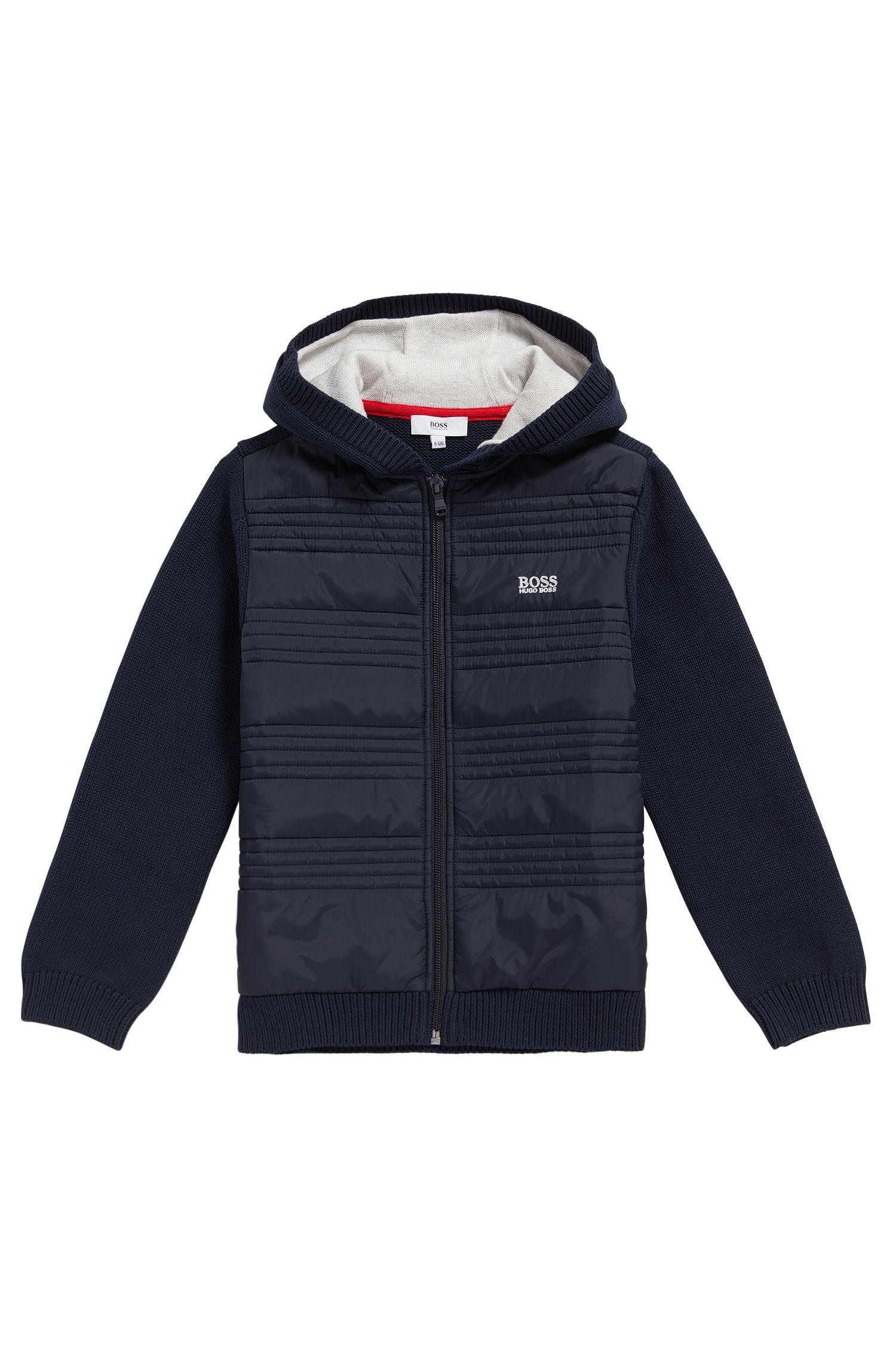 Veste en maille pour enfant en coton, à détails surpiqués: «J25A23»