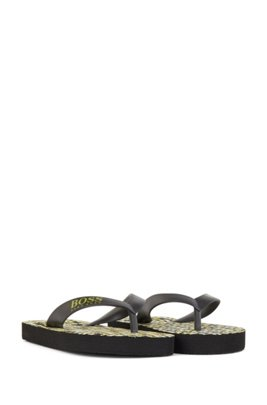 Kids' flip-flops with monogram sole and logo strap, Black