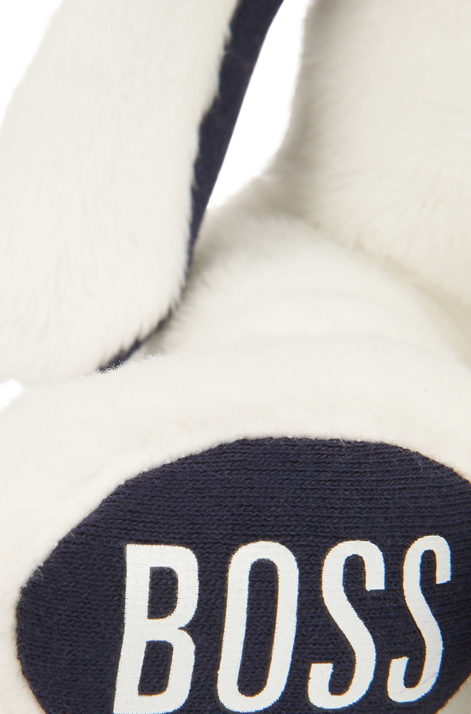 Klein knuffelkonijntje van imitatiebont met logoprint op de poot, Wit