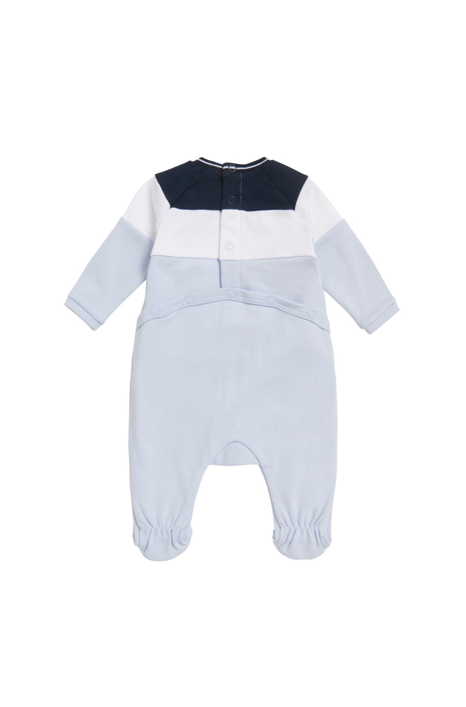 Cadeauset met een slaappakje en mutsje met logoprint voor baby's