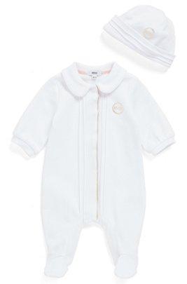 Set aus Baby-Pyjama und Mütze in Geschenkbox, Weiß