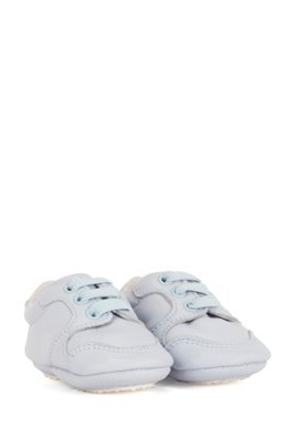 Baby trainers in soft leather with logo details, Light Blue