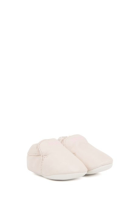 Baby booties in leather with logo print, light pink