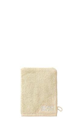 Waschhandschuh aus feinster ägyptischer Baumwolle mit kontrastfarbener Logo-Stickerei, Hellbeige