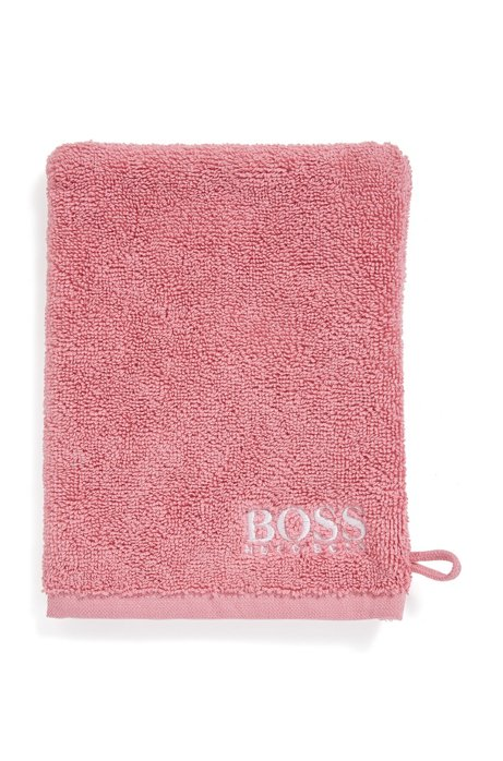 Finest Egyptian cotton washing mitt with contrast logo embroidery, light pink
