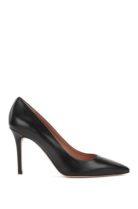 Pointed-toe pumps in Italian leather, Black