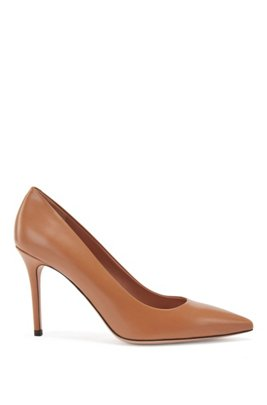 Pointed-toe court shoes in Italian leather, Brown