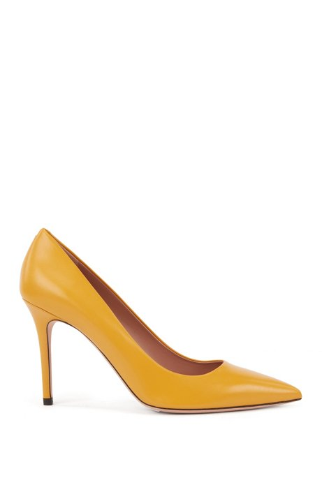 Pointed-toe pumps in Italian leather, Dark Yellow