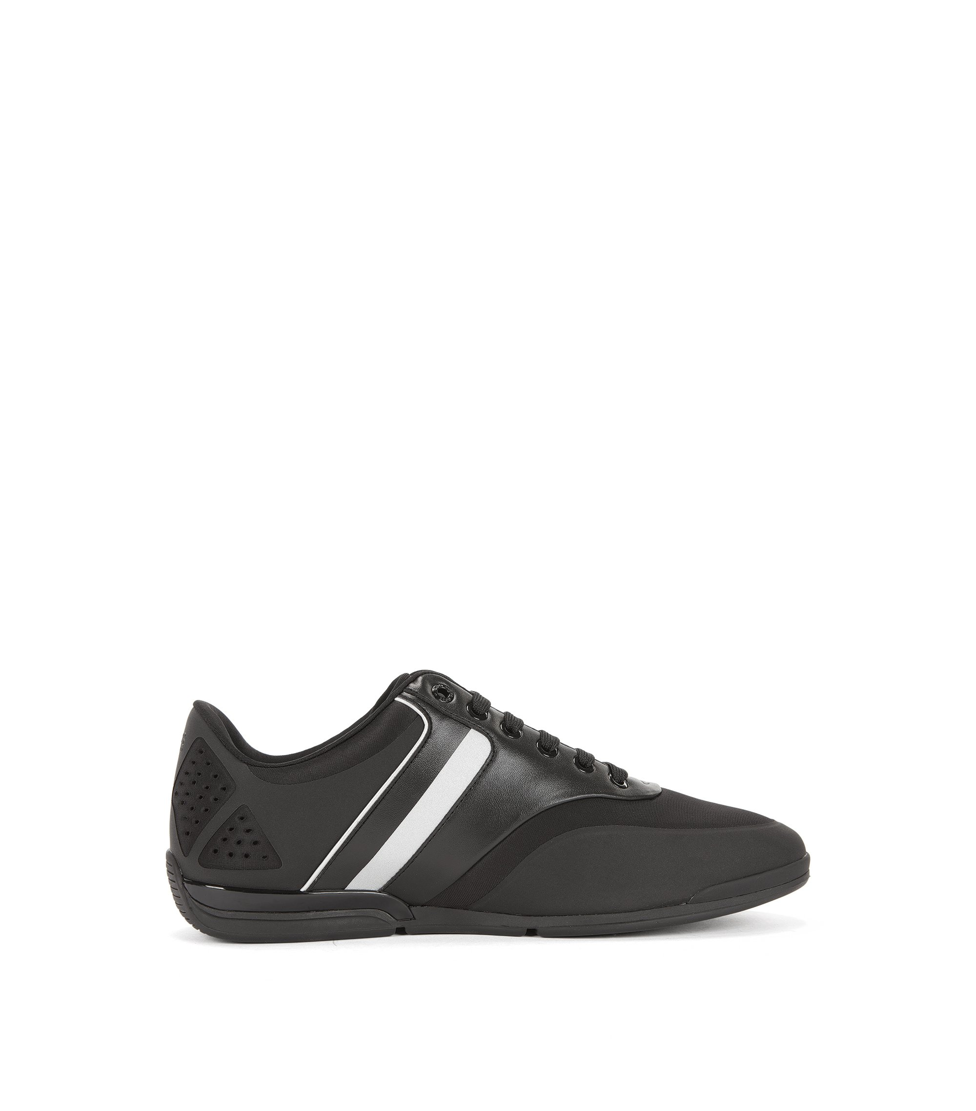 Vegan Leather Sneaker | Saturn Lowp Neo, Black