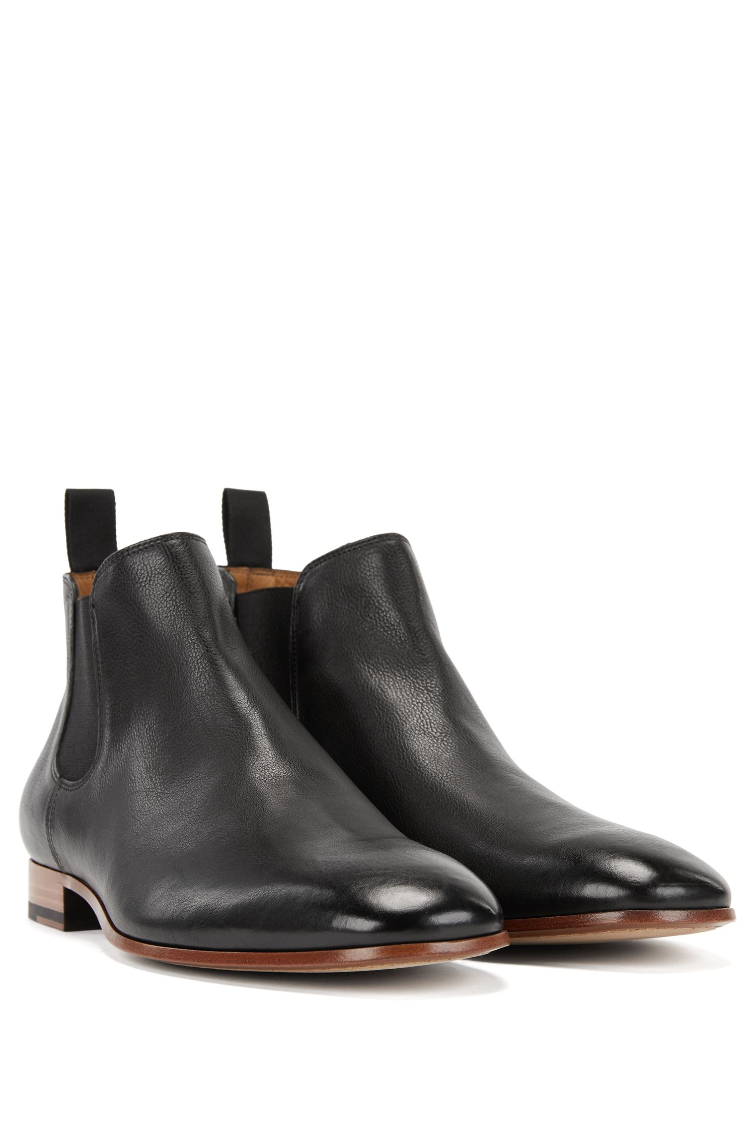 Chelsea boots in grained leather, Black