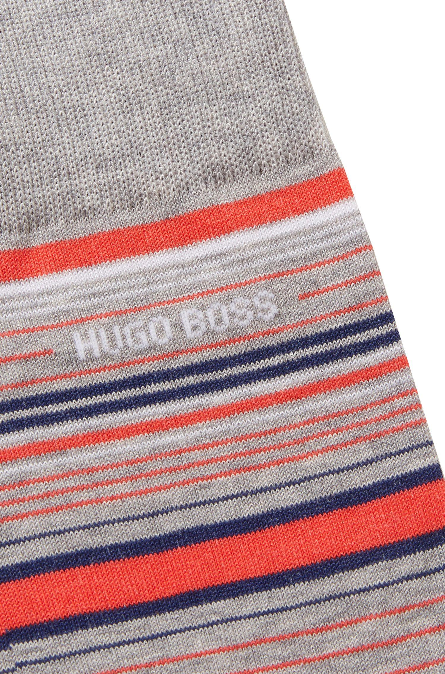 Striped socks in a mercerized cotton blend