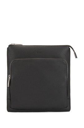 Envelope Bag In Grainy Italian Leather With Embossed Logo Black