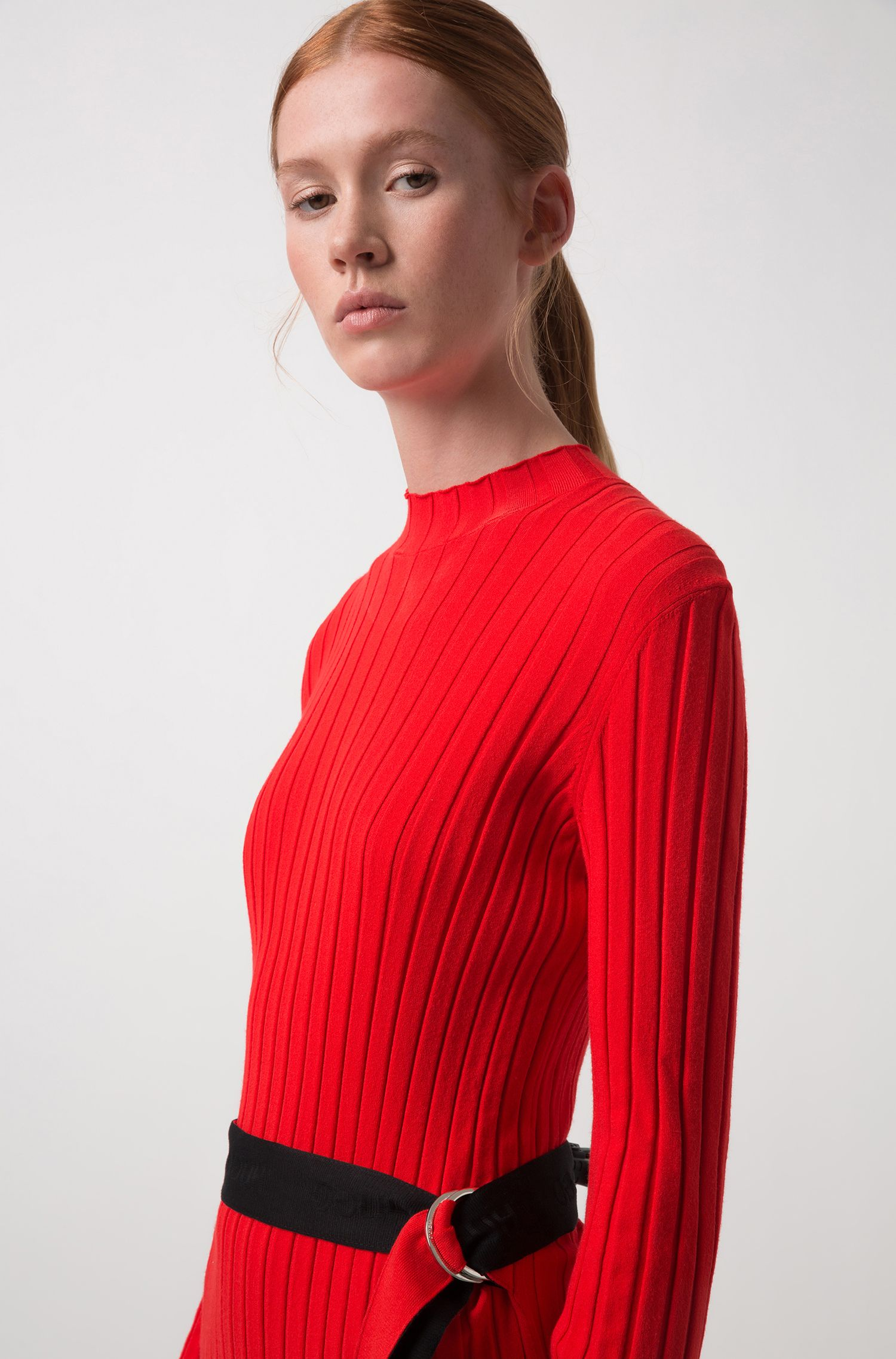 Knitted tube dress in stretch yarn with tape belt, Red