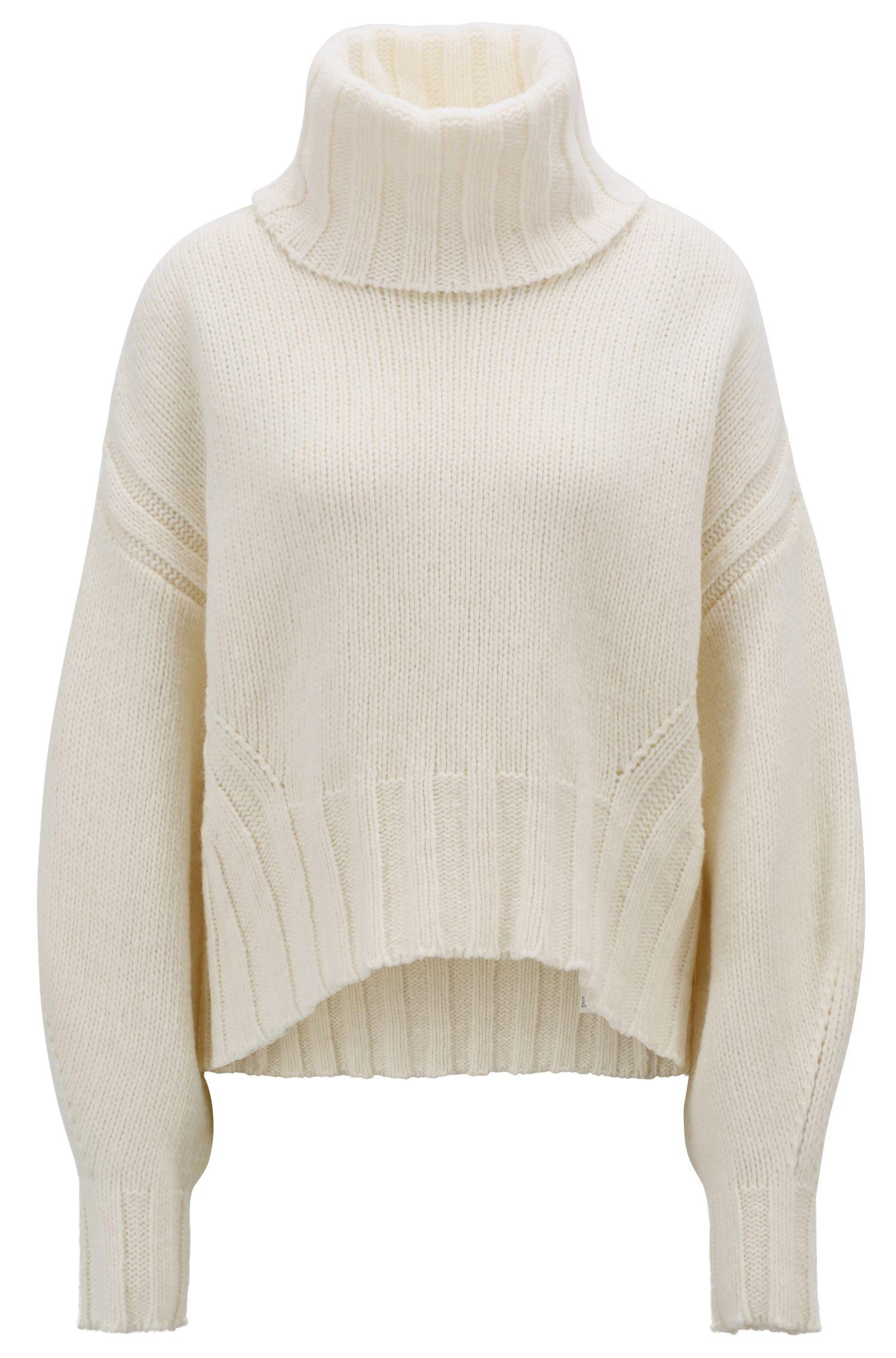 Turtleneck sweater in an air-spun virgin-wool blend, Natural