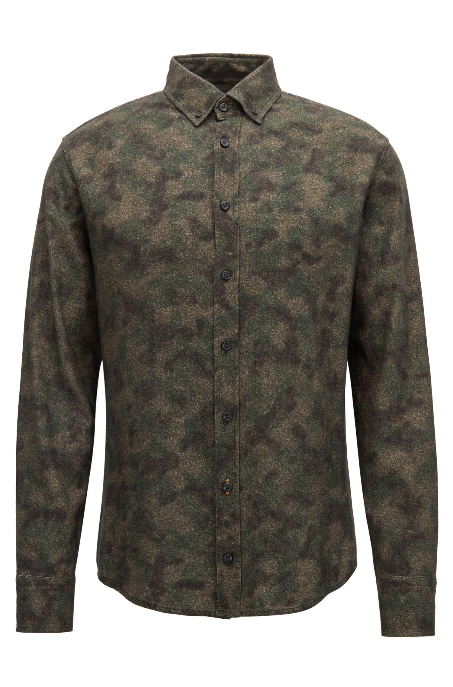 Slim-fit shirt in camouflage-print cotton twill, Dark Green