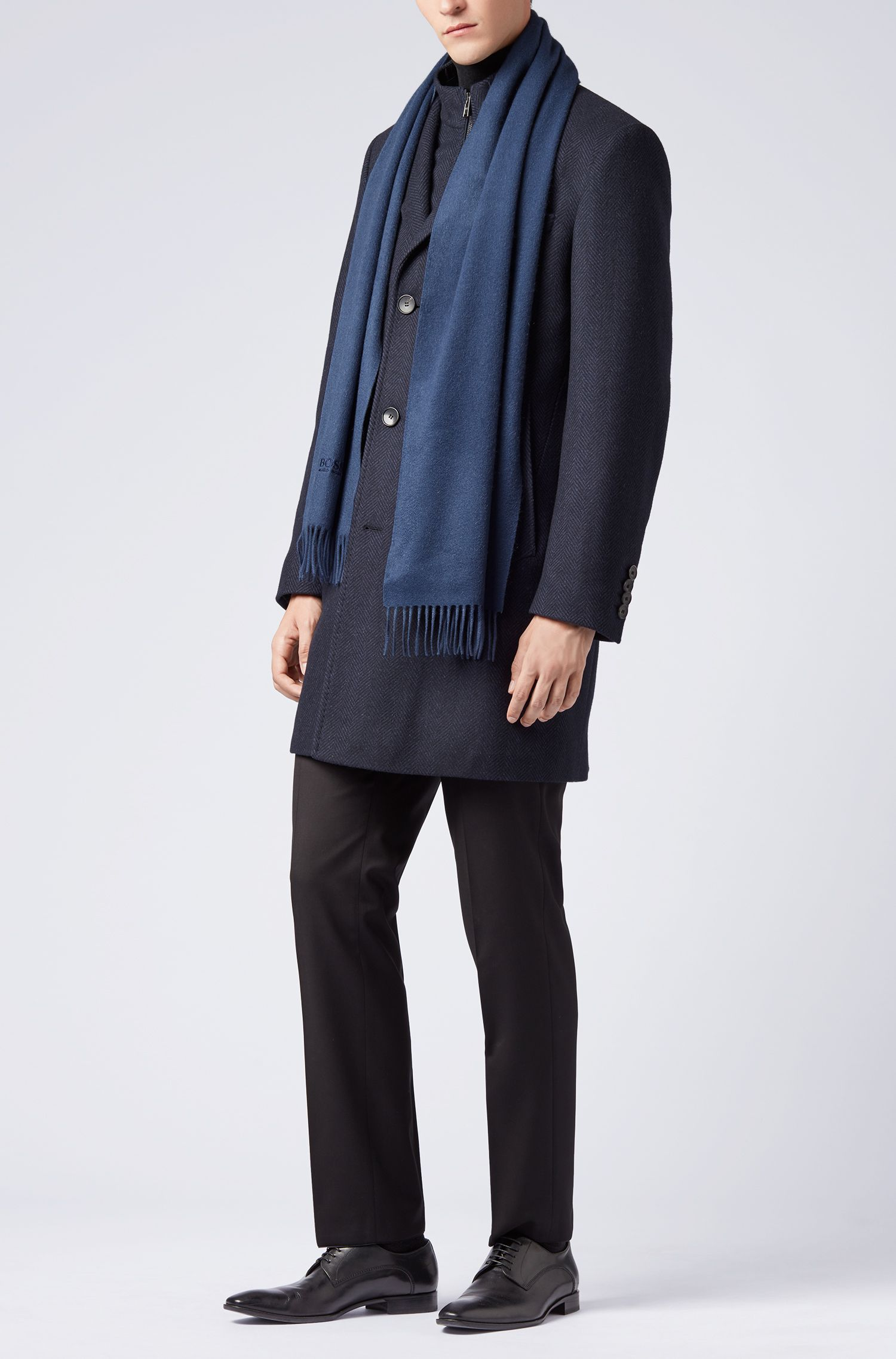 Tailored Italian-made scarf in cashmere with fringed hem, Open Blue