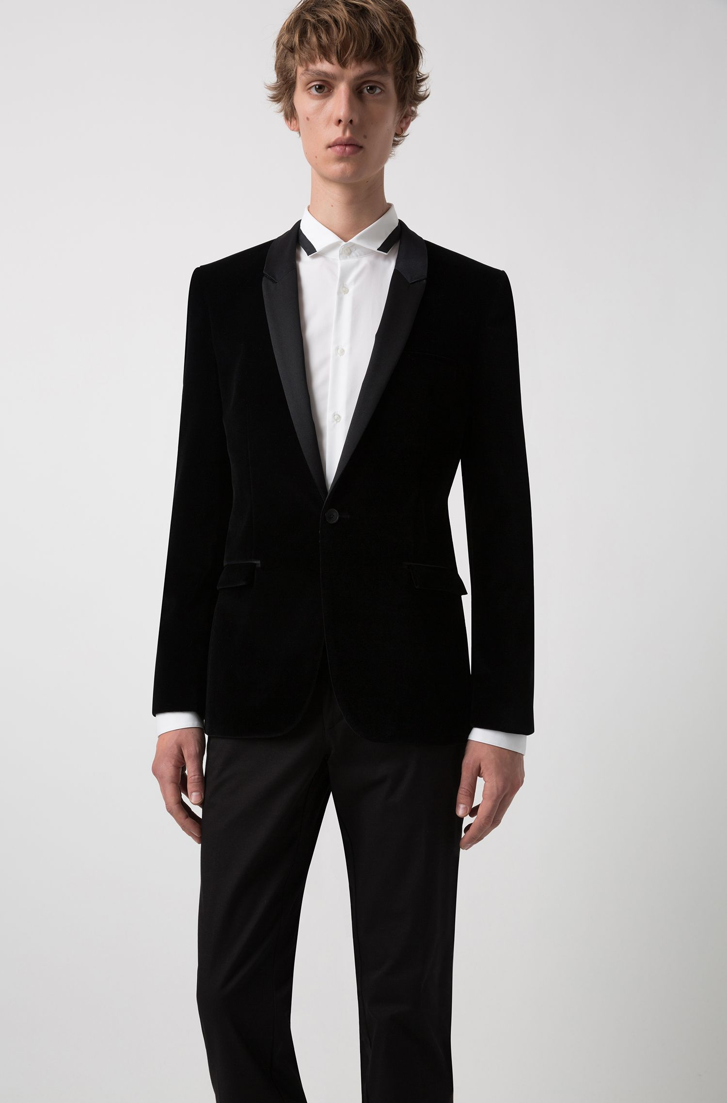 Extra-slim-fit velvet blazer with silk lapels, Black