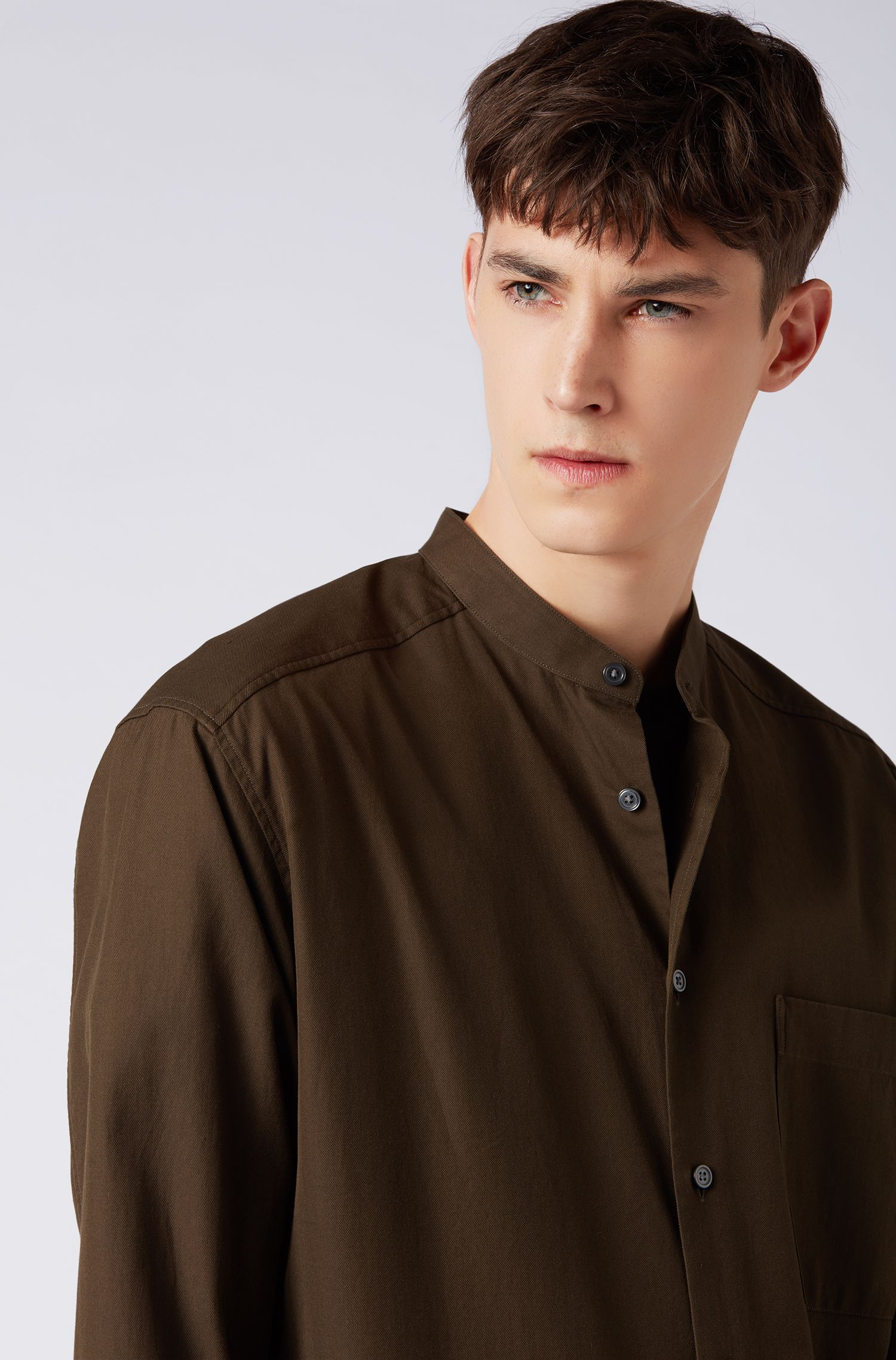 Relaxed-fit shirt in cotton twill with stand collar, Open Green