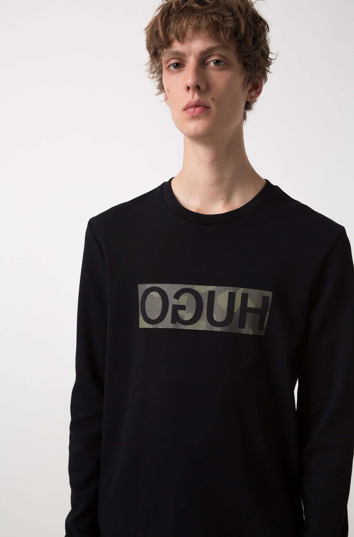 Sweatshirt in pure cotton with camouflage-print reverse logo, Black