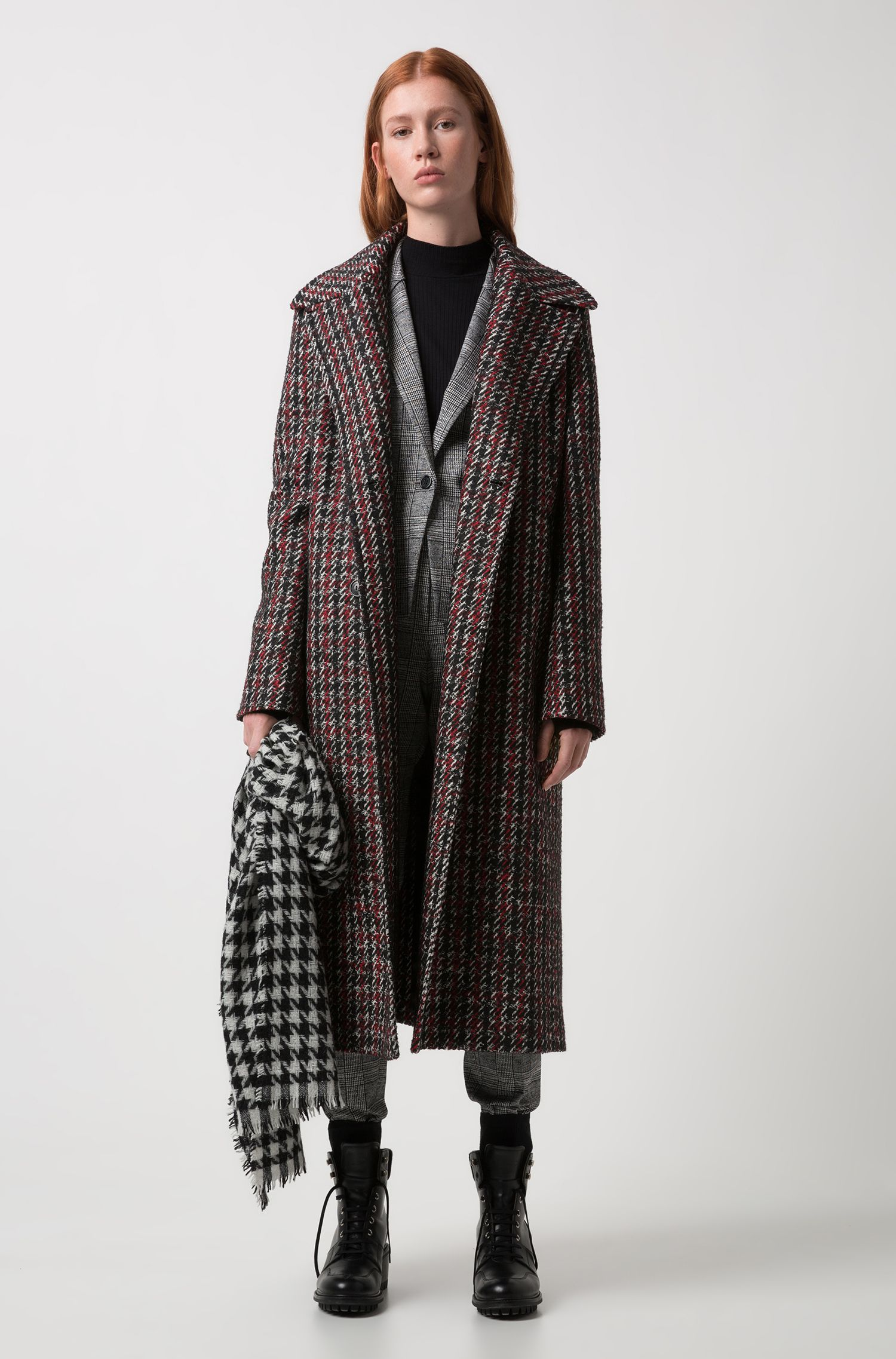 Virgin-wool-blend scarf with jacquard-knit houndstooth check pattern, Patterned