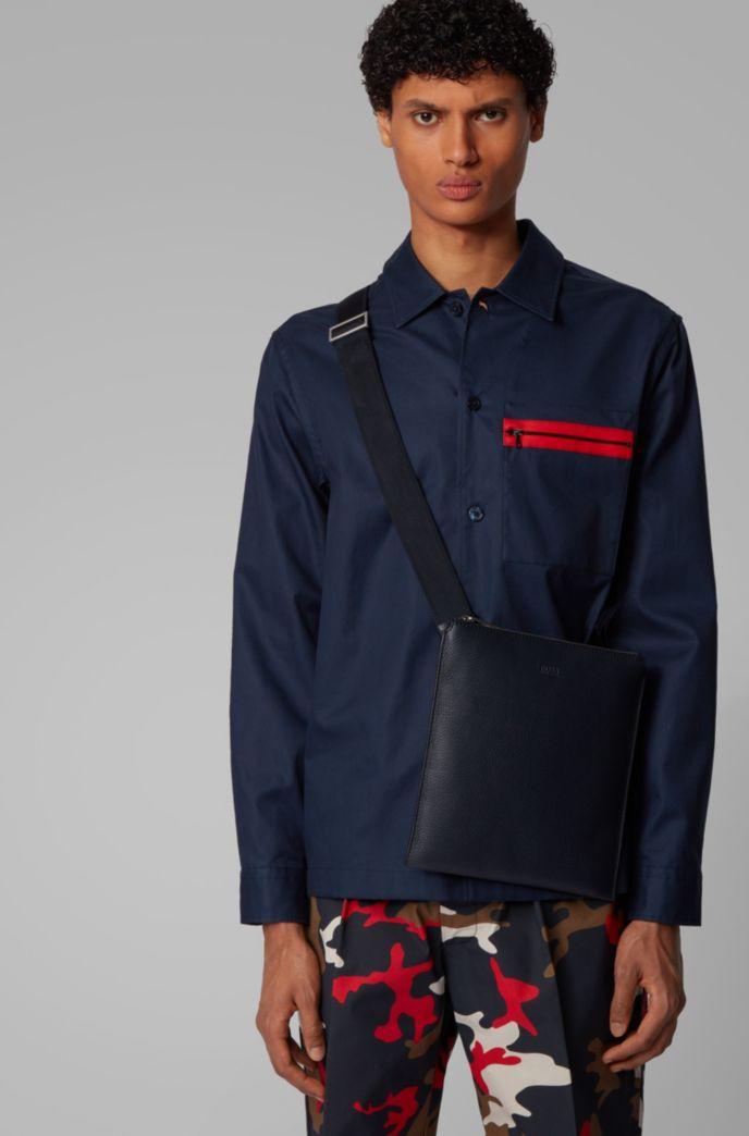 Envelope bag in grainy Italian leather