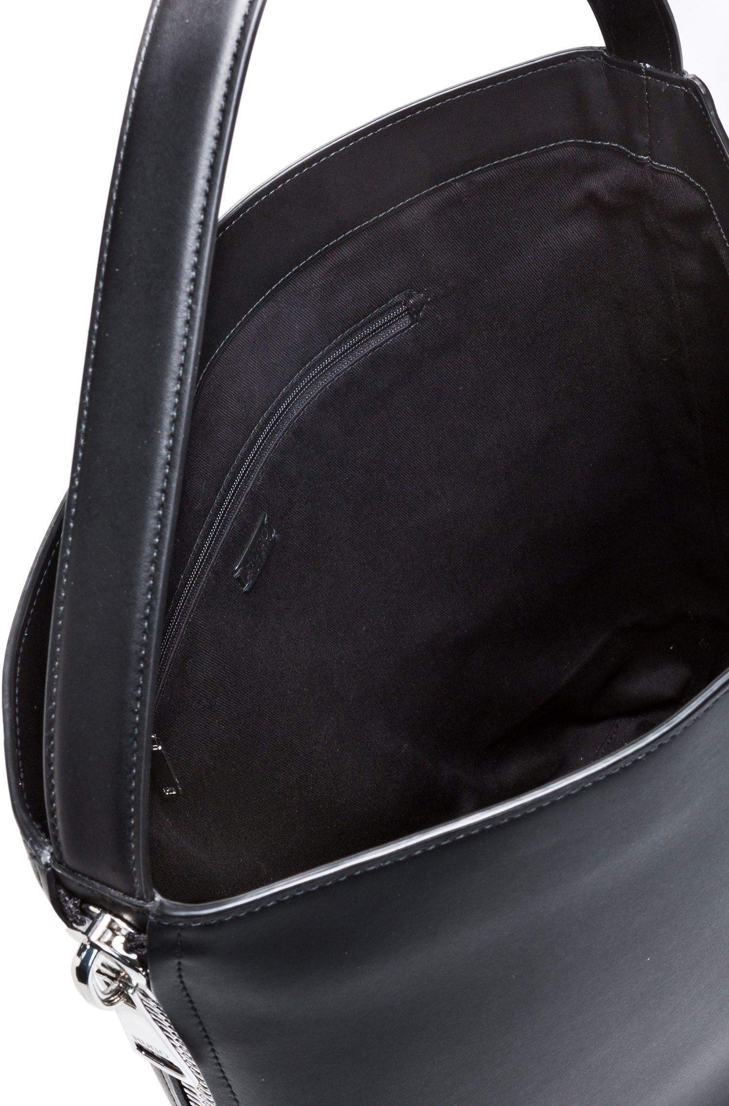 Hobo bag in premium Italian leather with magnetic closure, Black