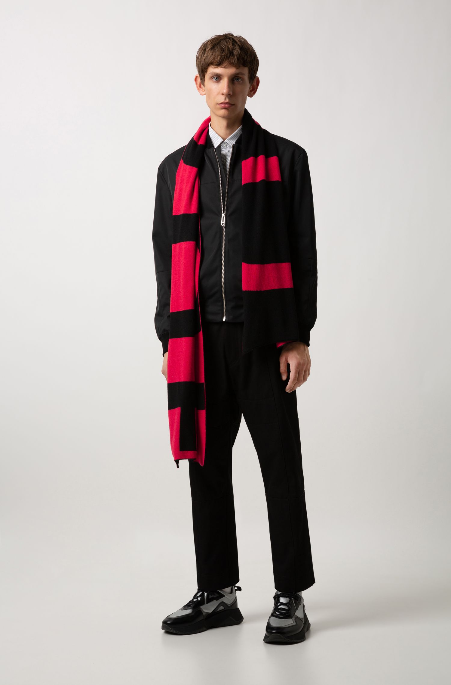 Reverse-logo scarf in knitted jacquard with cashmere, Black
