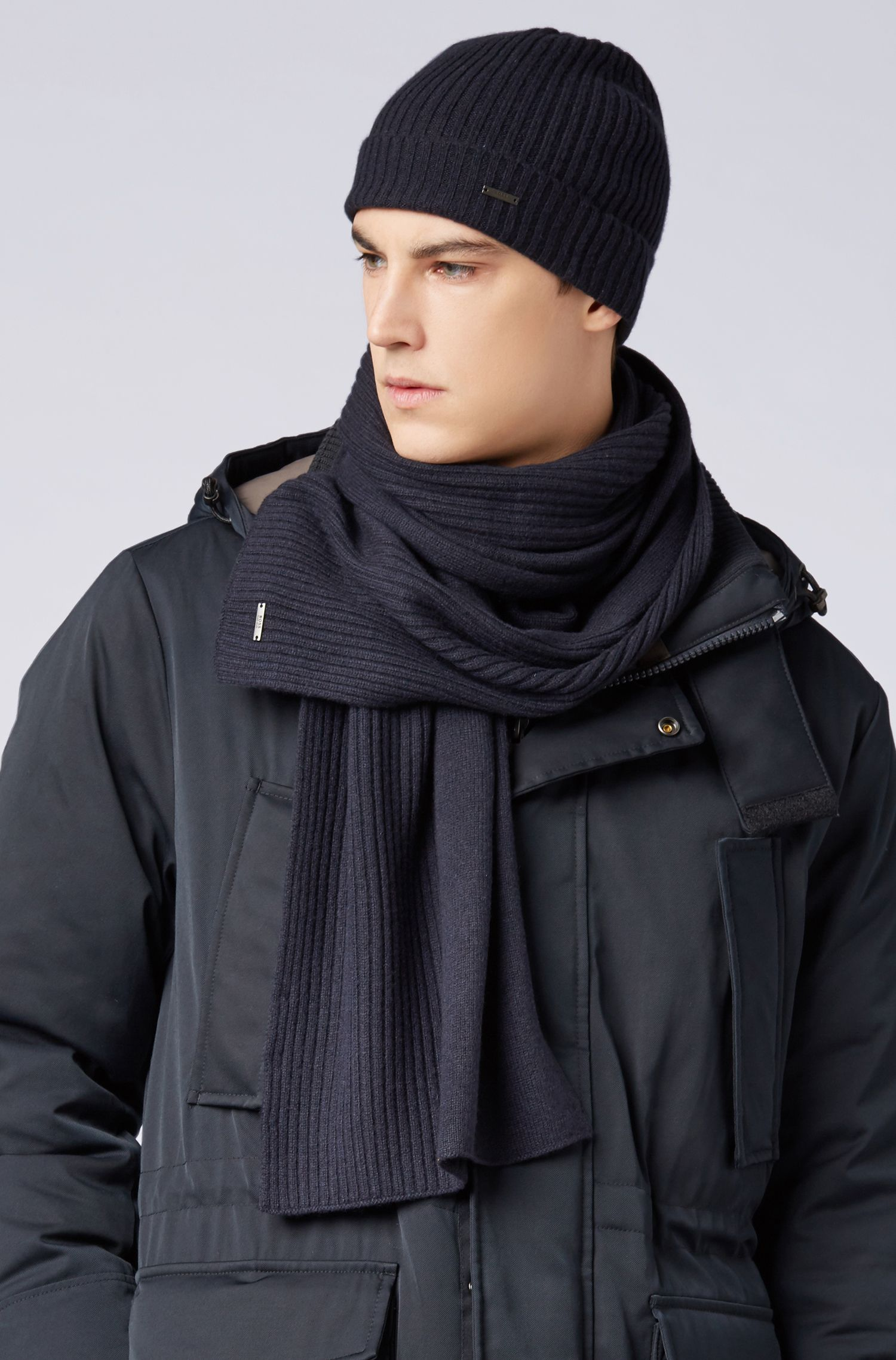 Ribbed beanie and scarf set in pure cashmere, Open Blue