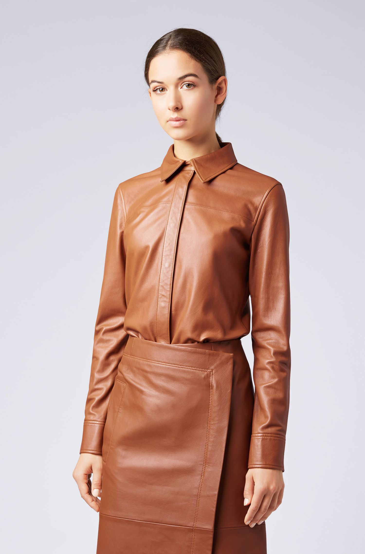 Regular-fit blouse in lambskin with concealed placket, Light Brown