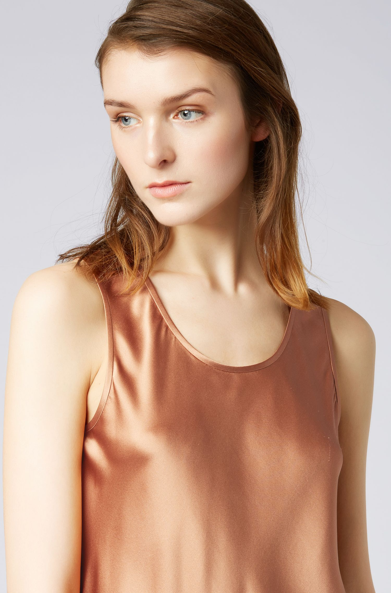 Scoop-neck sleeveless top in stretch silk, Brown