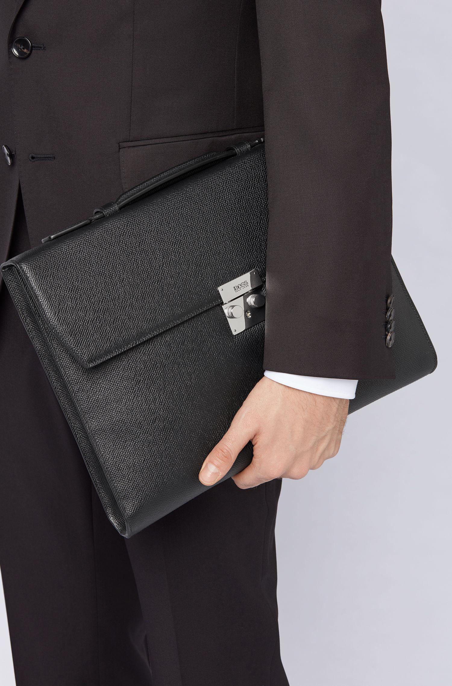 Signature Collection briefcase in structured palmellato leather, Black