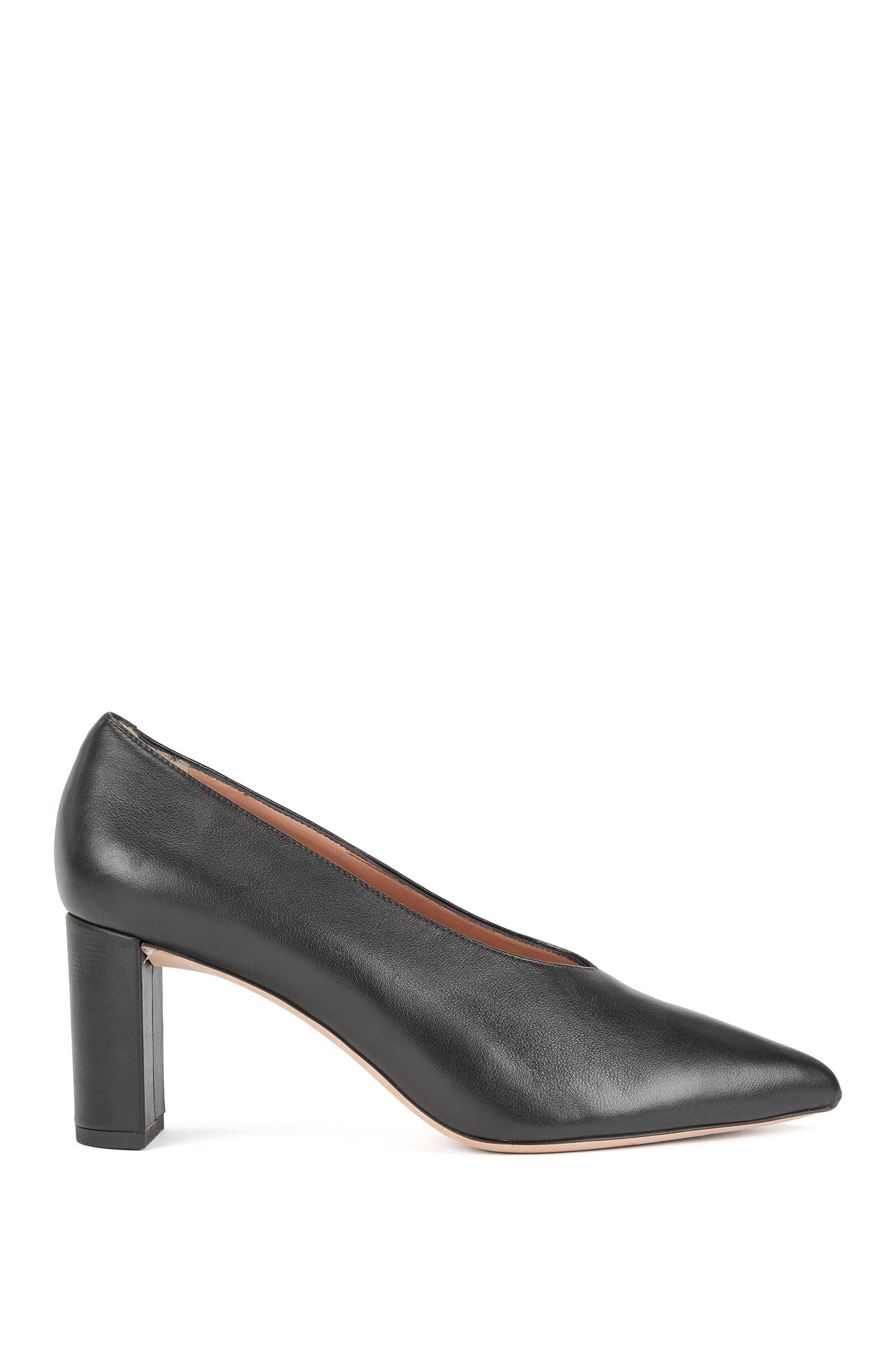 Lambskin leather pumps with V-cut vamps, Black